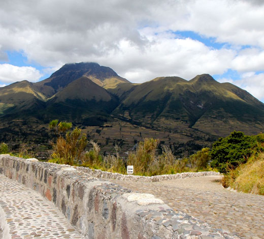 Tour January 4 / Sunday: Quito - Otavalo